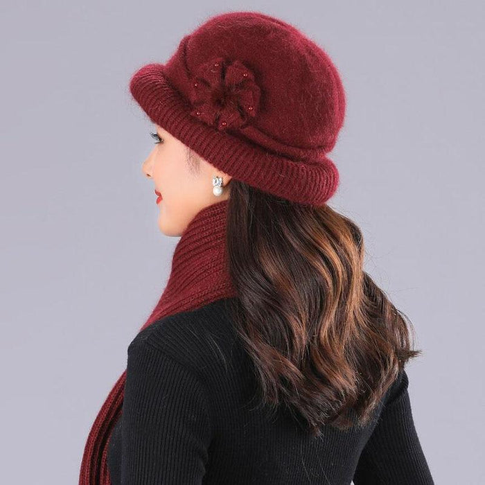 Womens Clothing - Flower Knitted Hat And Scarf