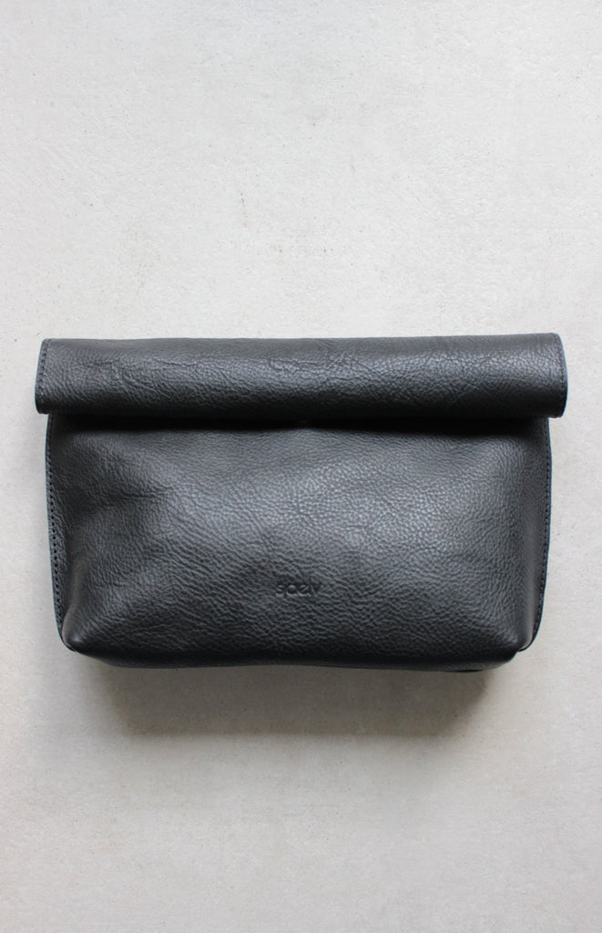Roll top clutch black