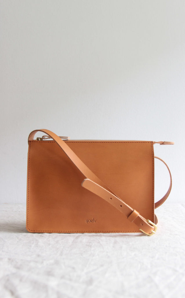Classic crossbody bag natural