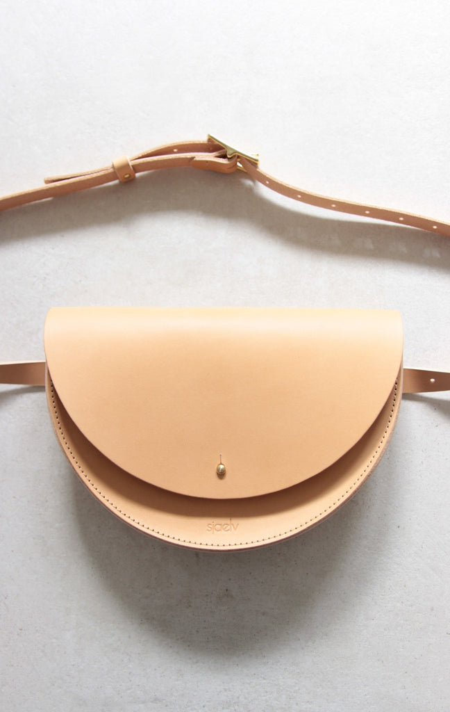 Belt bag nude