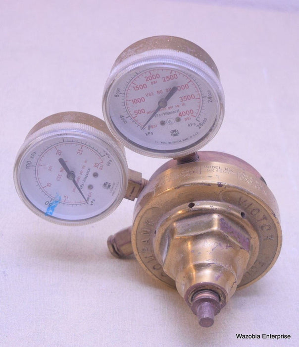 VINTAGE NATIONAL CYLINDER GAS REGULATOR