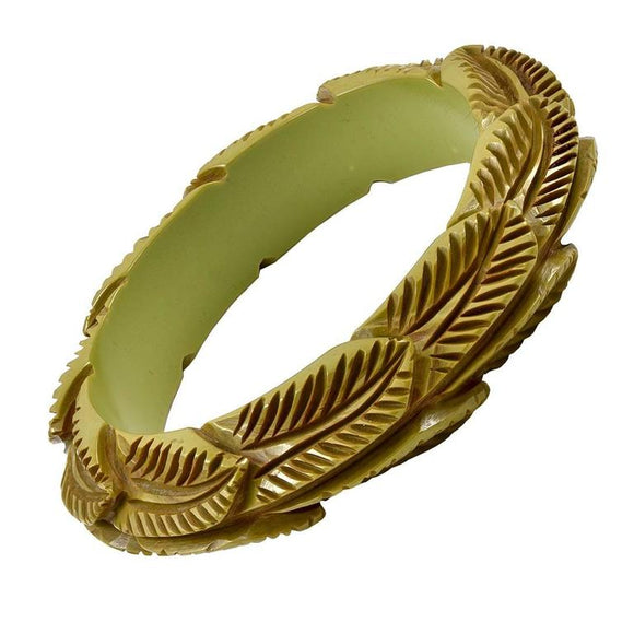 Carved Leaf Pattern Bakelite Bangle - Gem de la Gem