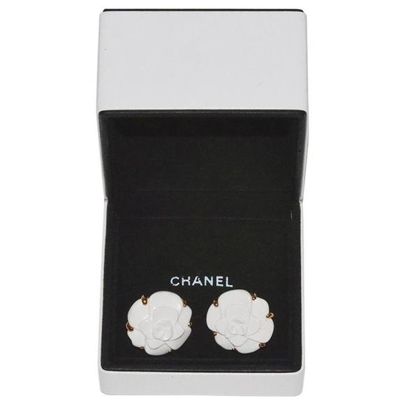 Chanel Gold and White Ceramic Camilla Ear Clips - Gem de la Gem