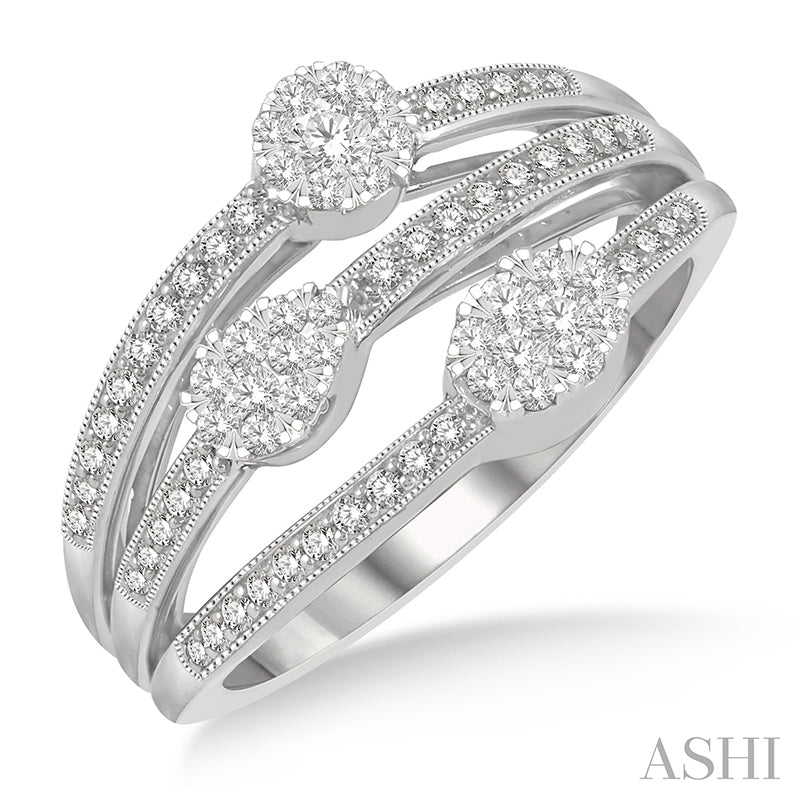 Tri Shape Mount Split Shank Lovebright Round Cut Diamond Ring