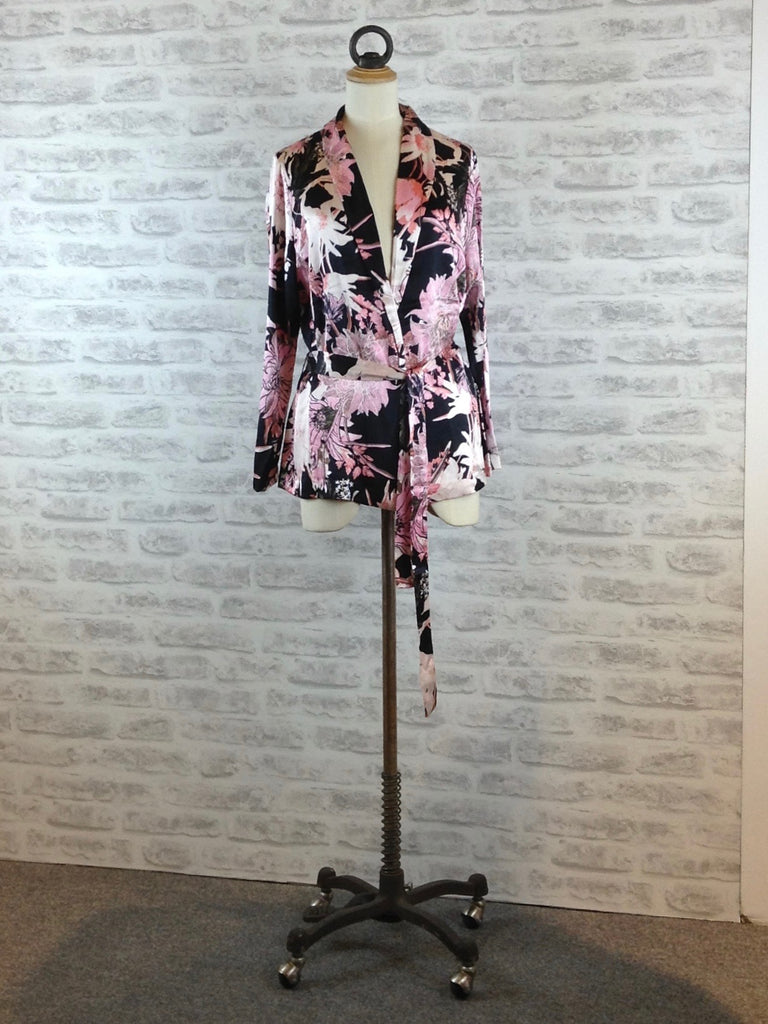 Saint Tropez Kimono with Big Flower Print, Pink / Black