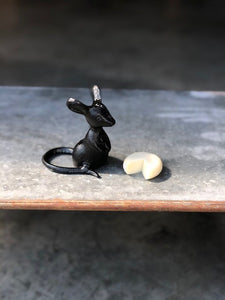 Standing Cast Iron Mouse