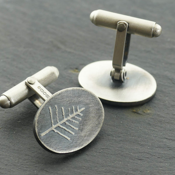 Oval fern cufflinks