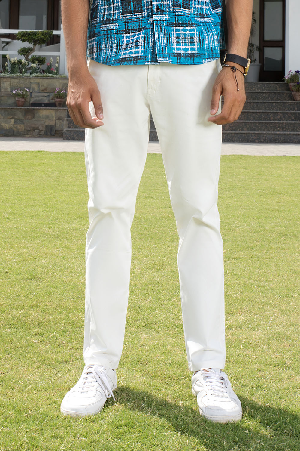 Slim Fit White Chino in Comfort Stretch - HOPE NOT OUT