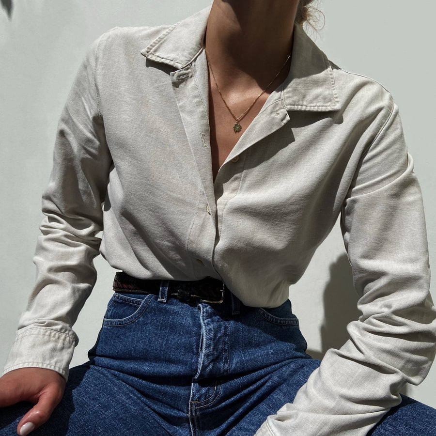 Vintage Basic must have button up