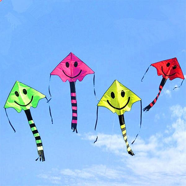 Smile Stunt Kite Cometa Kite Child Toys Kite Four Color Smile Angel Smiley Sports Beach Kite 76cm * 167cm