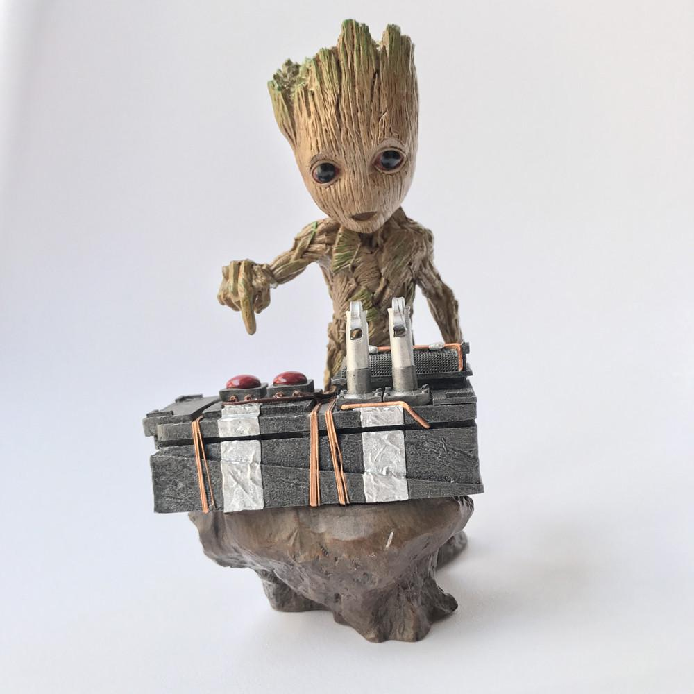 Guardians of the Galaxy 2 II DJ Baby Groot Statue Action Figure Collectible Model Toy 18cm Free Shipping