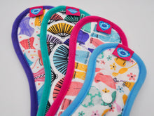 Load image into Gallery viewer, Reusable sanitary towels