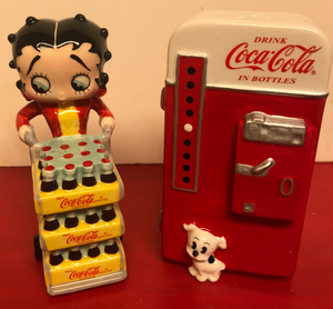 Betty Boop Coke Vending Machine Salt & Pepper Set        Retired