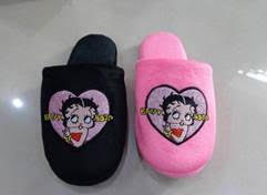 Betty Boop Heart Slippers   NEW