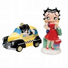 Betty Boop Shopping Salt & Pepper Set (Retired)