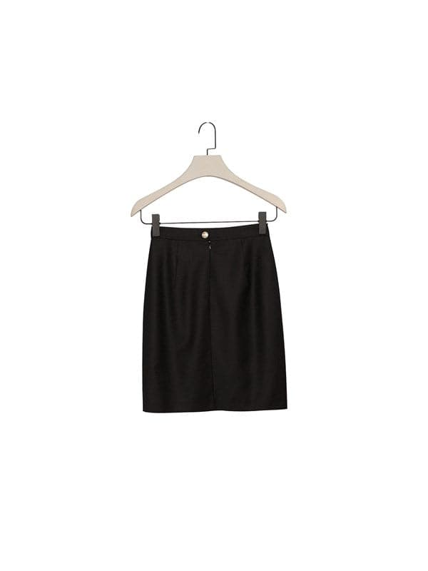 Black vintage cut short skirt