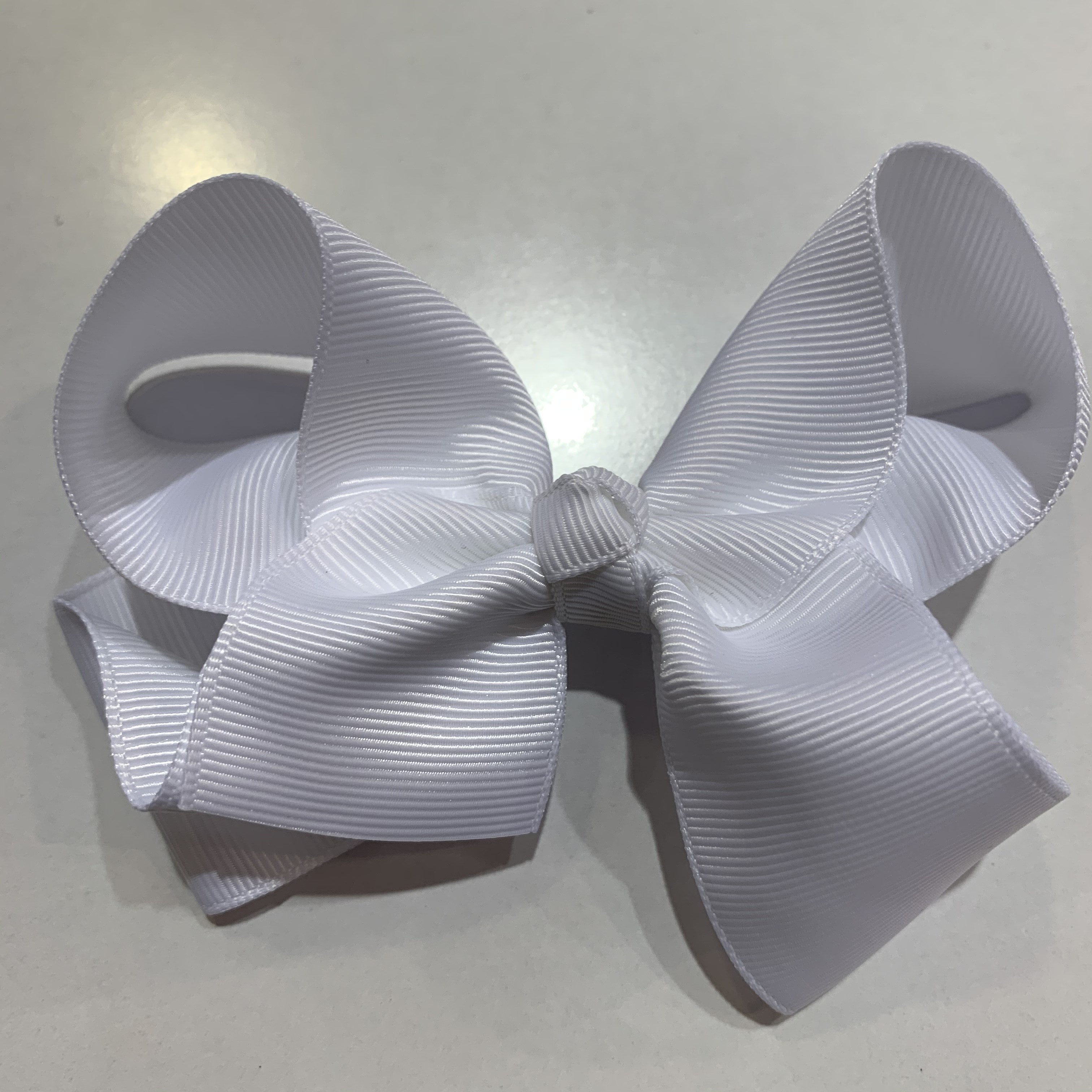 Medium Bow White