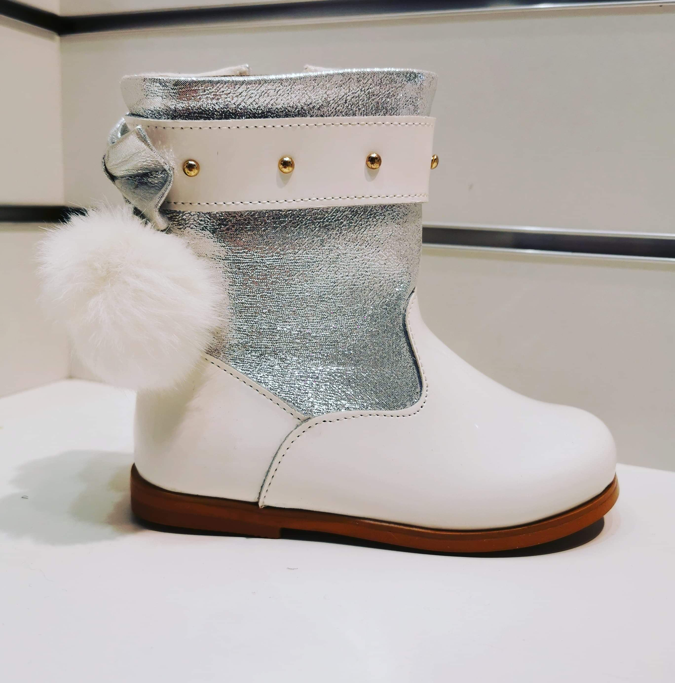 Molly Boot Ivory