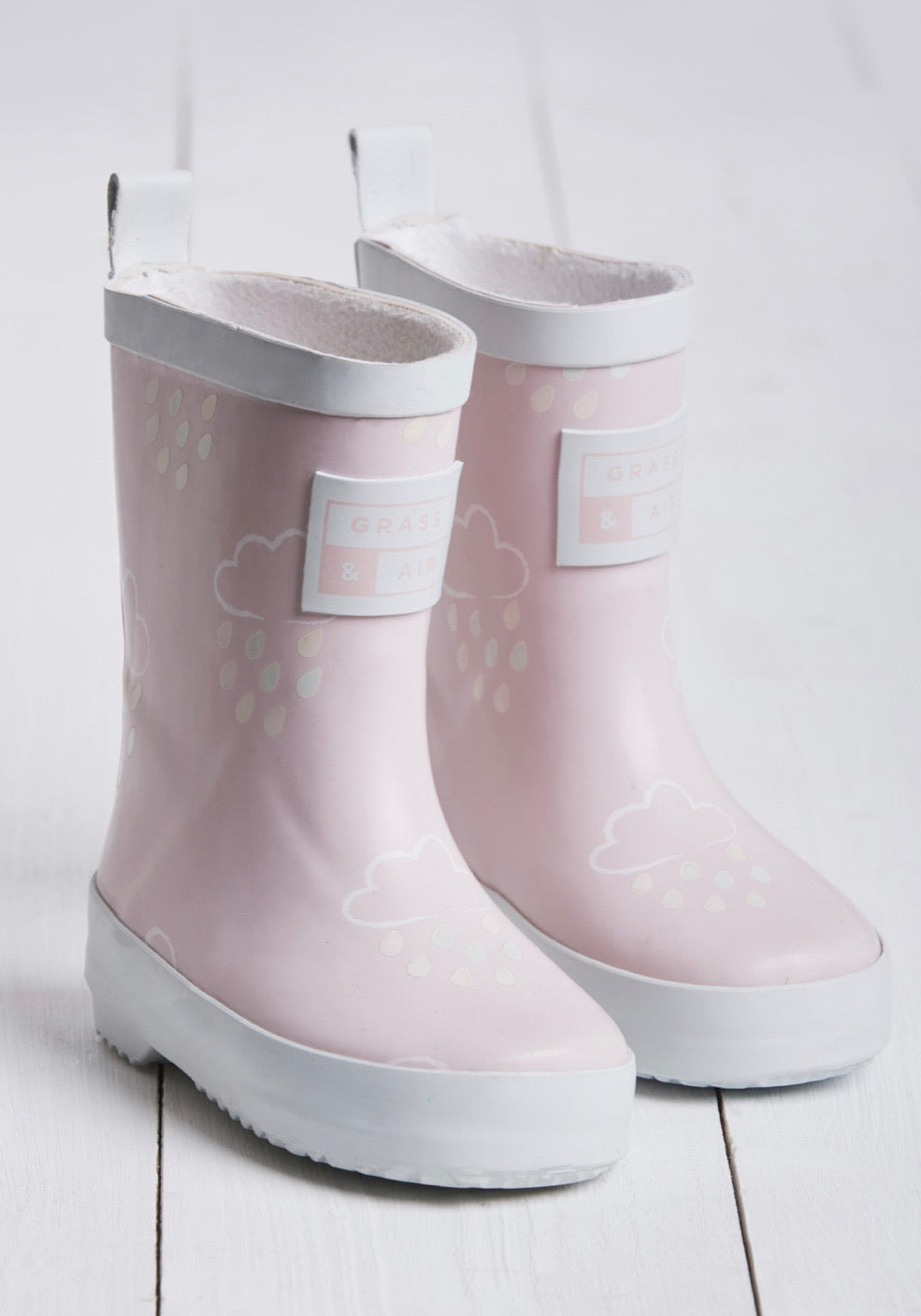 Grass and Air Colour Changing Wellies Pink