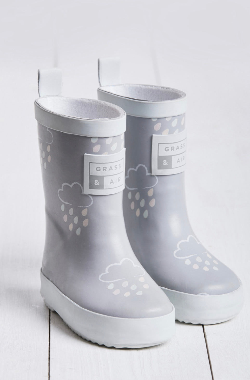 Grass and Air Colour Changing Wellies Grey