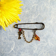 Load image into Gallery viewer, Liberty Amber-Key pin brooch