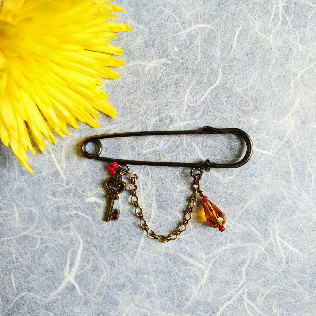 Liberty Amber-Key pin brooch