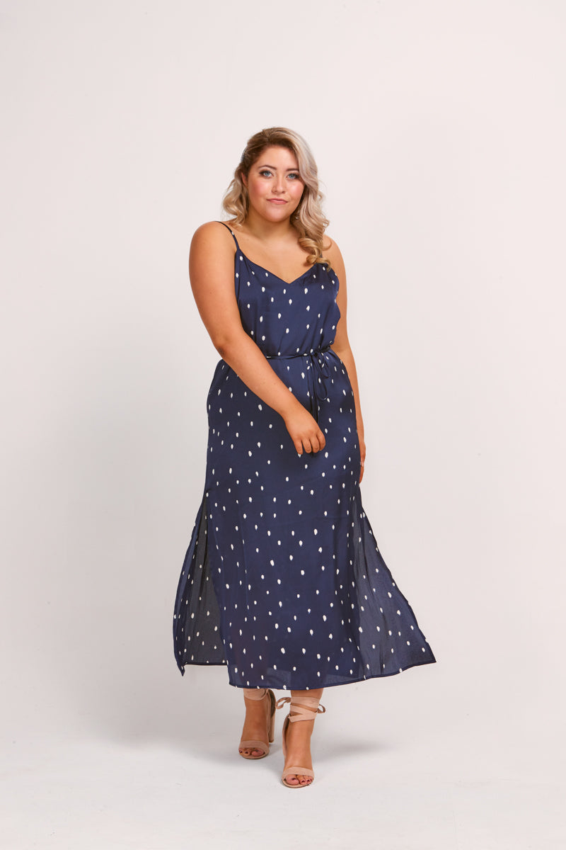 MADDOX DRESS - NAVY SPOTS