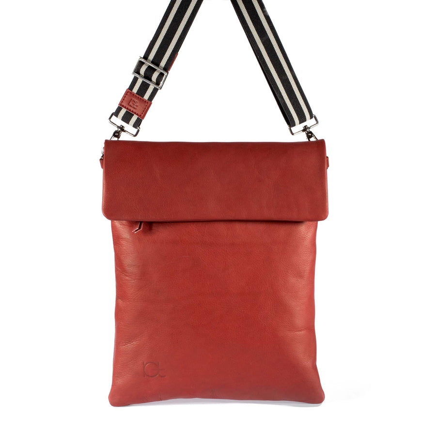 Leather Bag  Borsa Zaino rubino handmade with an elastic shoulder strap