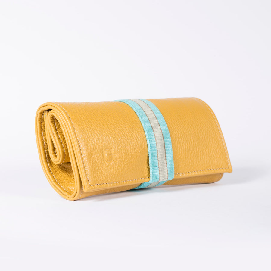 Astuccio color topazio with elastic ribbon