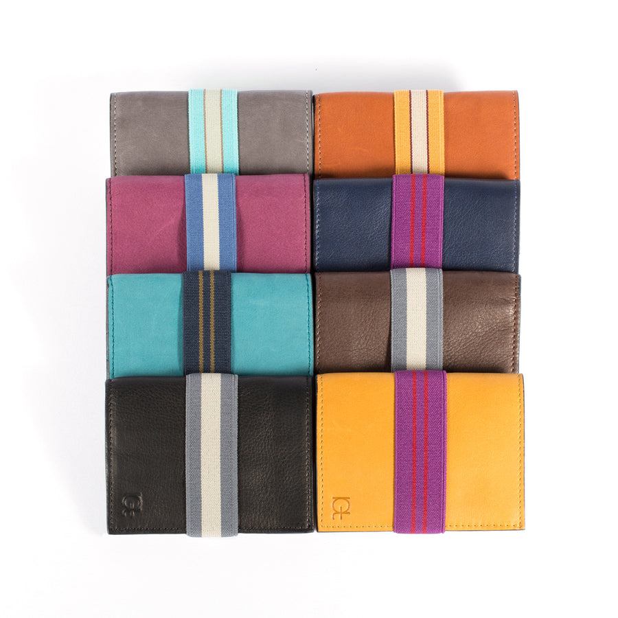 leather wallet for man with elastic ribbon
