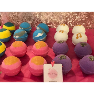 Stephanie Llanelli Cosmetics Vegan Bath Bombs | Cruelty- Free