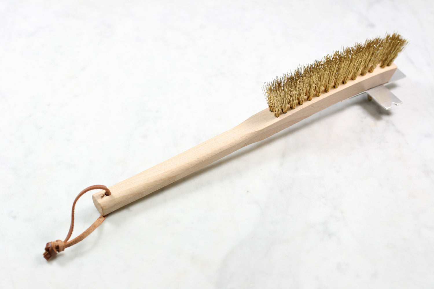 Burstenhaus Redecker BBQ grill brush with long wooden handle.