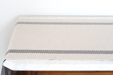 Linen 'Lustucru' Table Runner