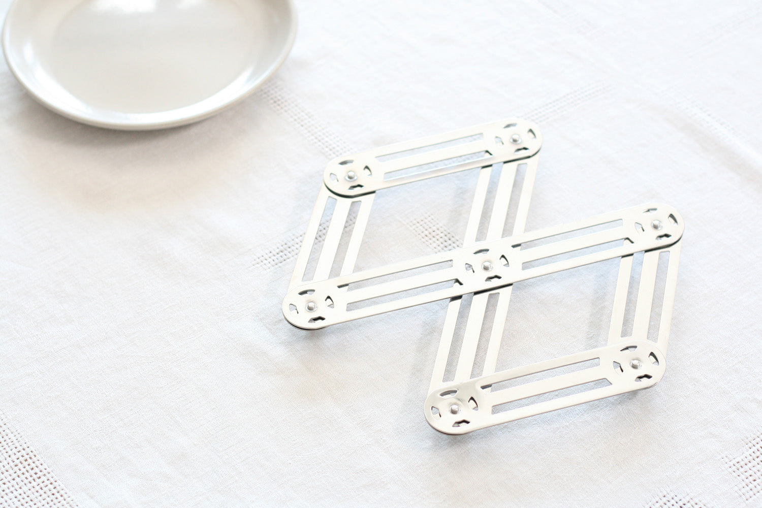 French Extendable Table Trivet