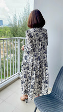 Load image into Gallery viewer, Heph Chiffon Printed Maxi - White