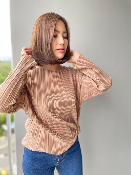 Prish Pleated Top - Khakis