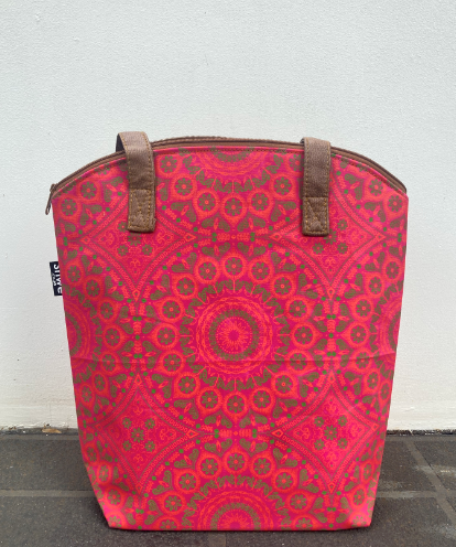 Shwe Cooler Bag Pink