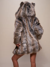 Load image into Gallery viewer, 【FREESHIPPING】BesToNow Classic Grey Wolf Faux Fur Coat