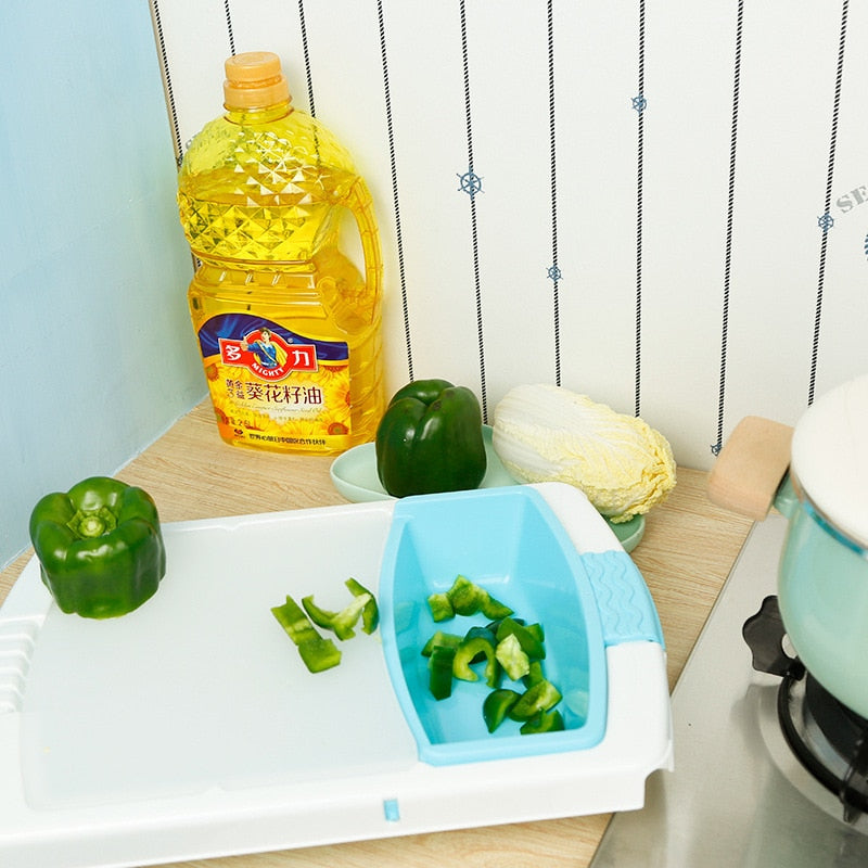 Cutting Board with Strainer