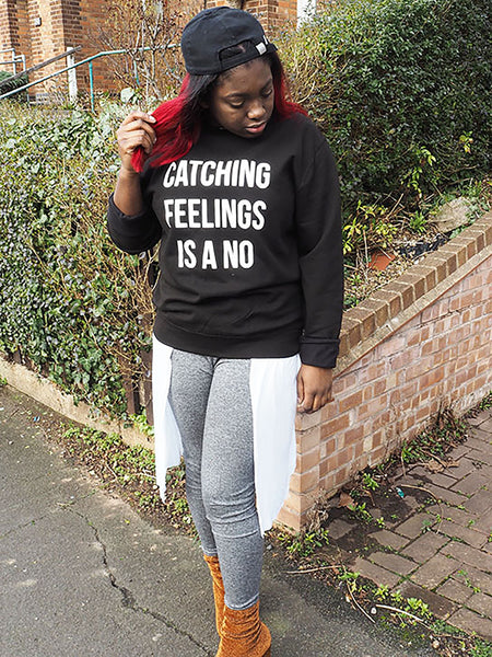 CATCHING FEELINGS SWEATSHIRT