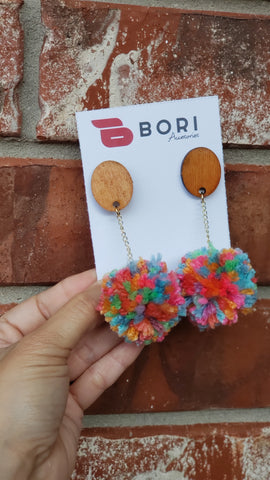 Oval Pompom earrings