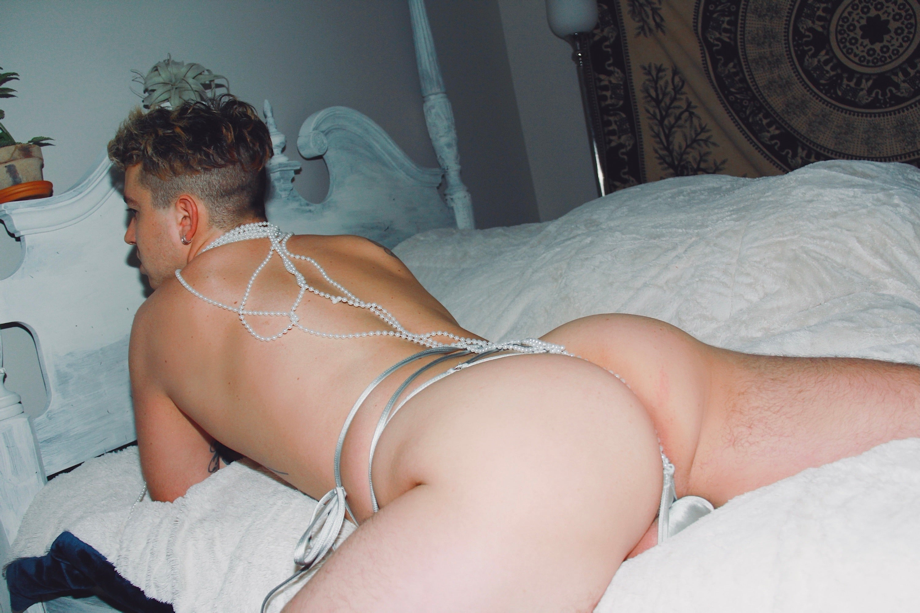 Icicles Tie Thong