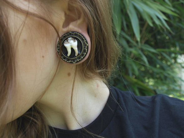 bronze ornate Teeth Plugs #014 - Fux Jewellery