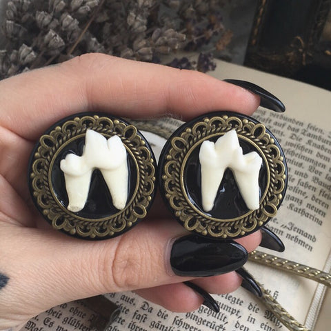 bronze ornate Teeth Plugs #014
