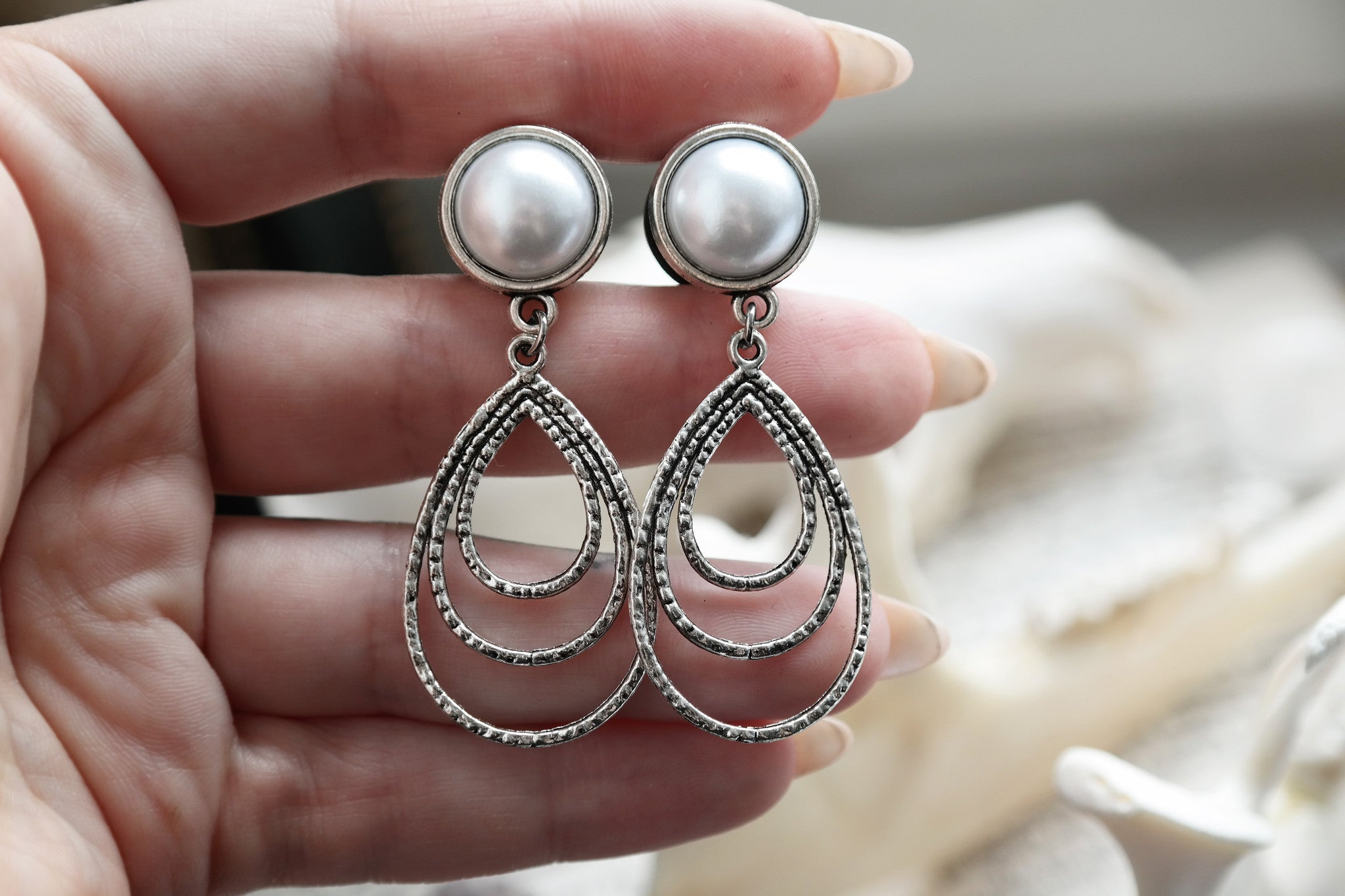 silver filigree Pearl dangle Plugs #586
