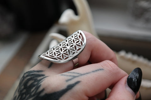 silver 'Flower of Life' Ring #702