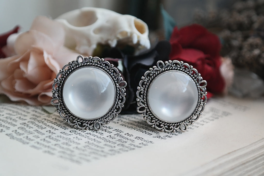 silver ornate Pearl Plugs #122-4 - Fux Jewellery