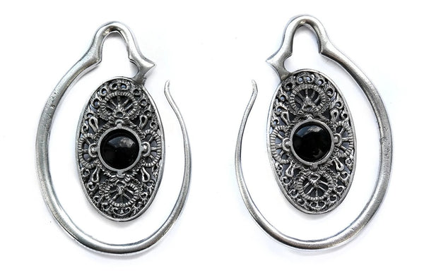 oval silver Onyx Ear Weights #EW03