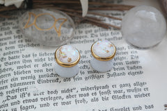 small golden Girl Plugs #829