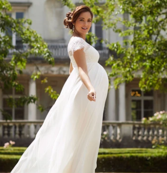 Tips for Pregnant Bridesmaid Dress Shopping